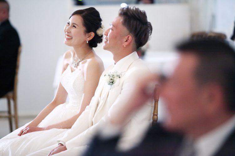 あたたかい笑顔に囲まれた結婚式